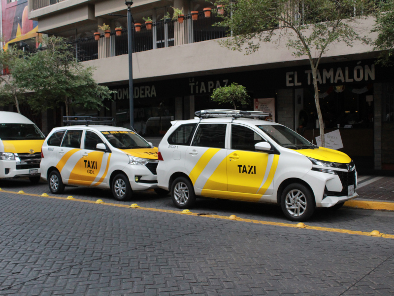 taxi-hotel